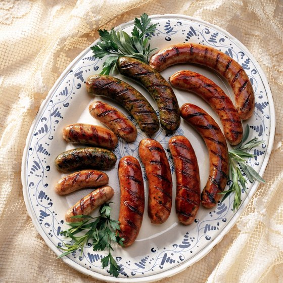 You can prepare honey garlic sausages in different ways.