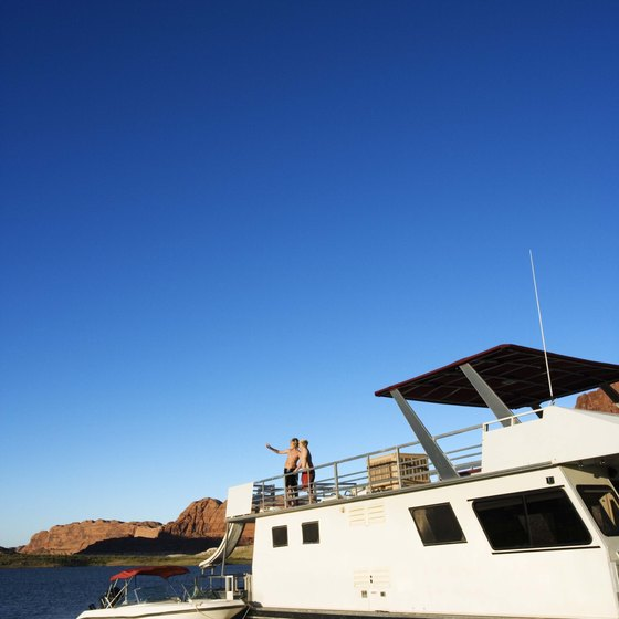 Explore the vast lake while staying on a houseboat.