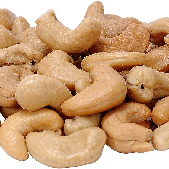 Mixed nuts are a high-protein food that is easy to eat while traveling.