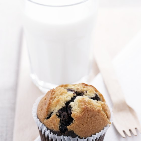 Watch your portion size to avoid getting too many calories from blueberry muffins.