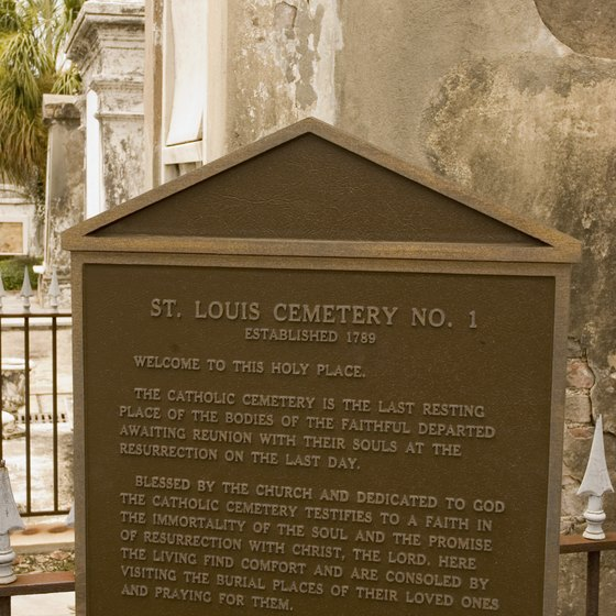 New Orleans cemetery voodoo tours visit St. Louis Cemetery 1.