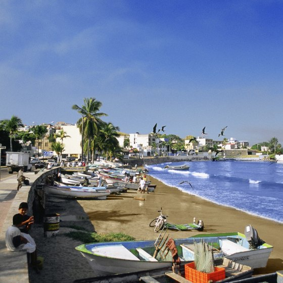 Explore Mazatlan's charms with safe taxi travel.