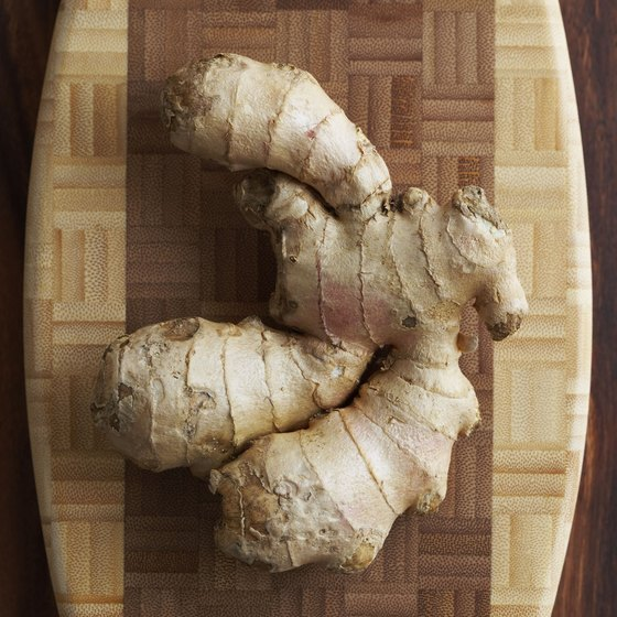 Add ginger to your juice to boost your gingerol intake.