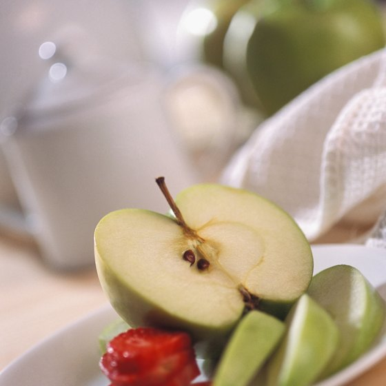 Snack on fresh, whole fruit on a 1,200-calorie high-fiber diet.