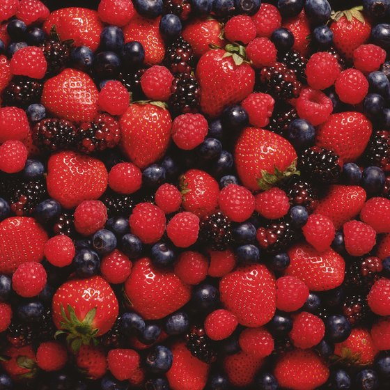Blackberries and raspberries have a high oxalate content and should be avoided.