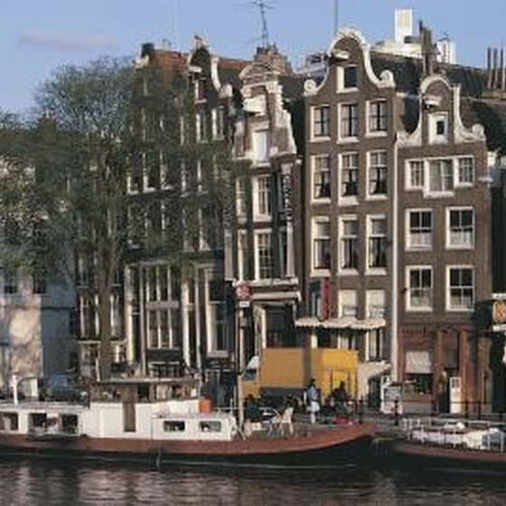What To Pack For A Weekend In Amsterdam Getaway Usa