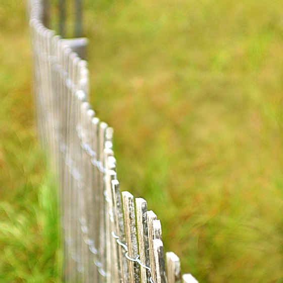 Back-fence advertising can lead to product reviews and recommendations shared between friends.