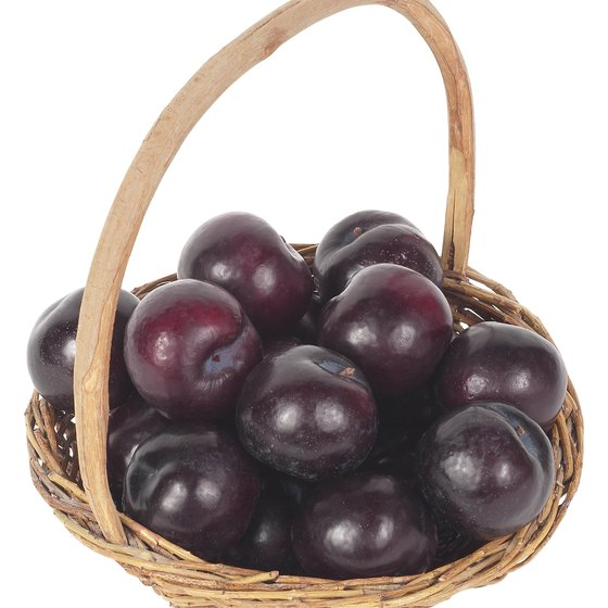 Plums and prunes contain high amounts of antioxidants.