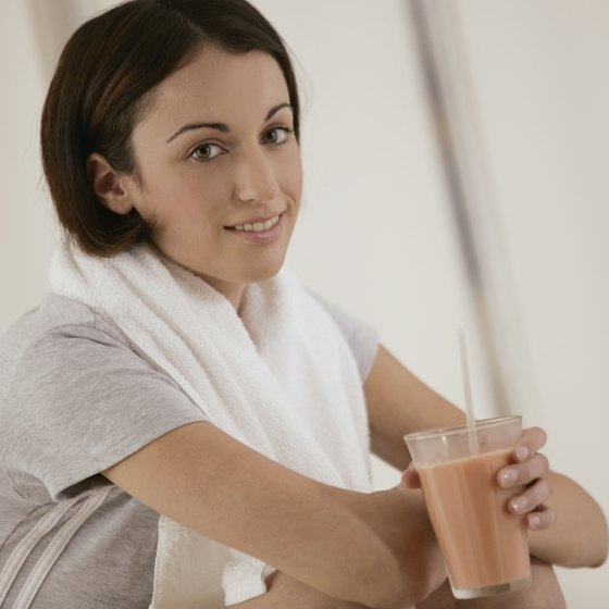 A smoothie containing protein powder is a convenient post-workout snack.