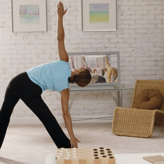 Video workouts blend the advantages of solo and class exercise.