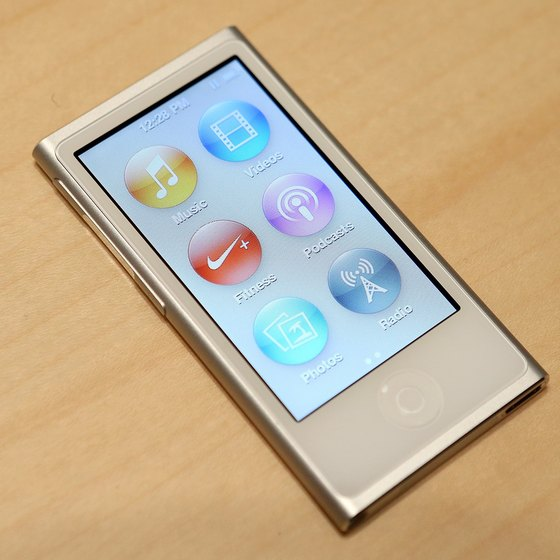 Enter disk mode to restore a malfunctioning iPod nano.
