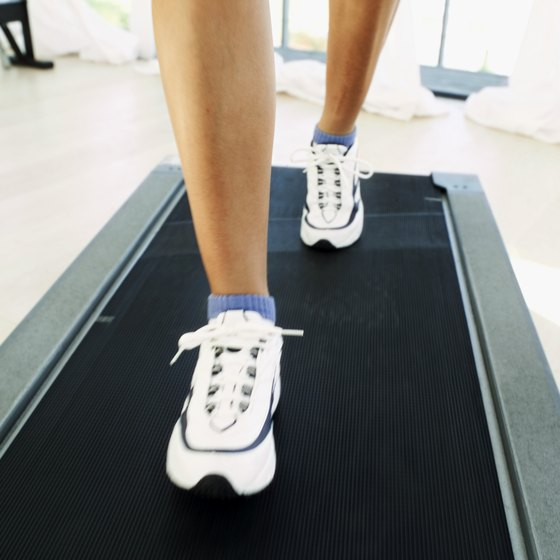 Manual treadmills can help you burn calories quickly.