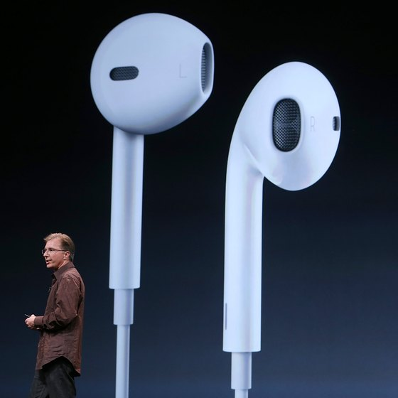 The iPhone 5 headset includes a useful volume control switch.