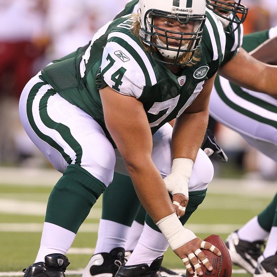 Nick Mangold works on his weightlifting to stay at center for the New York Jets.