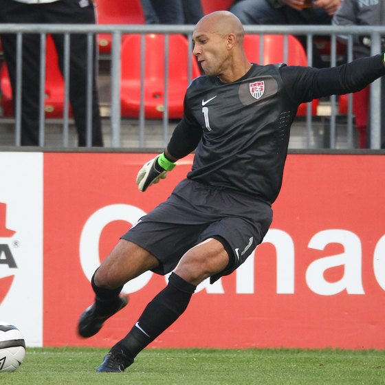 Tim Howard of Team USA taking a goal kick.
