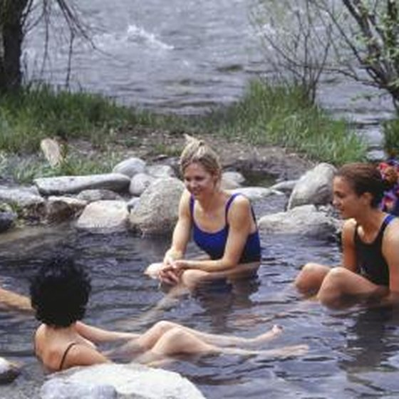Hot Springs Campsites Amp Lodging In Lake Isabella