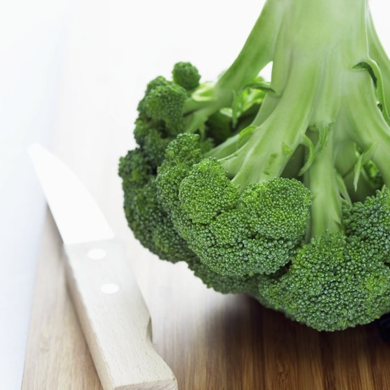 Eating raw broccoli daily provides you with needed vitamin C.