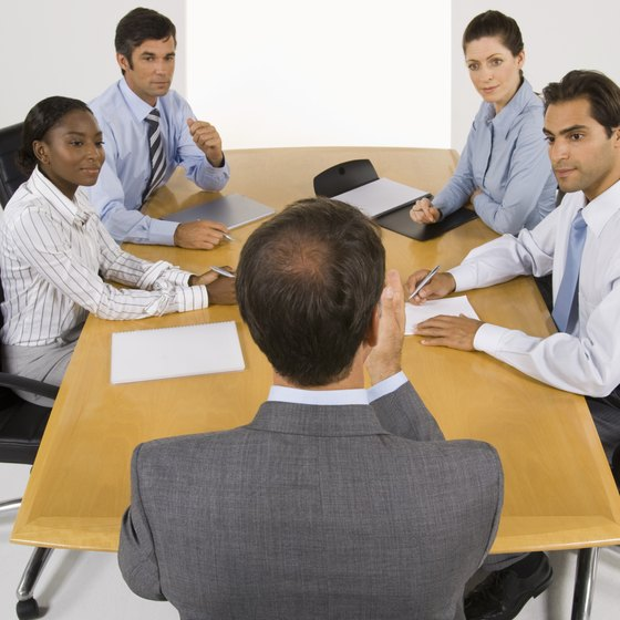 The HR department benefits the company by presenting easy-to-understand seminars.