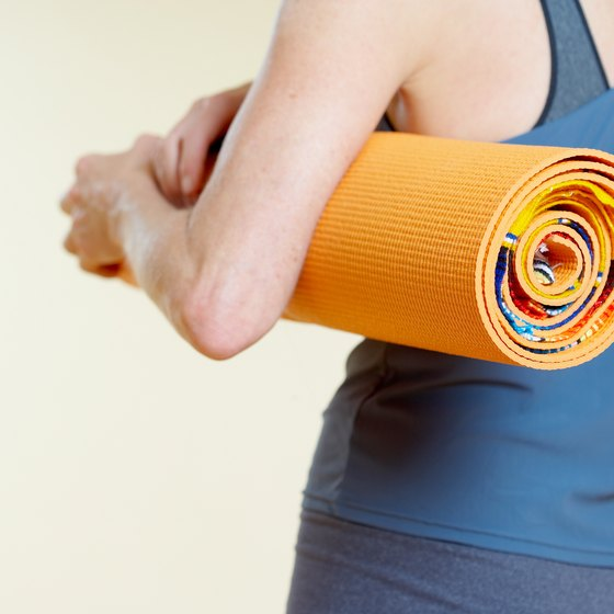 Natural rubber yoga mats are classified as open cell or closed cell.