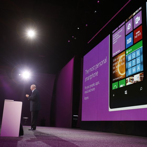 Windows 8 works on tablets and PCs.