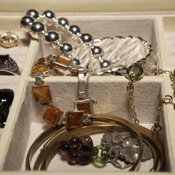 How to Sell Jewelry as a Sole Proprietorship | Your Business