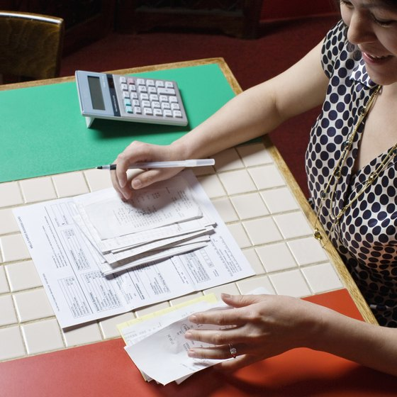 An accounts receivable system streamlines the billing-to-payment-deposit process.