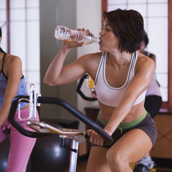 Bring water or a sports drink to the gym to stay hydrated.