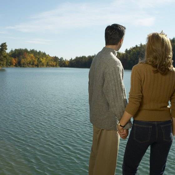 Pennsylvania's many lakes and rivers offer peace and quiet for vacationing couples.