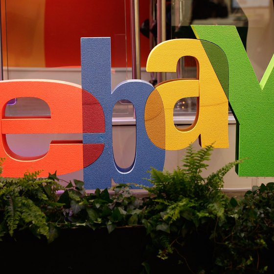 eBay has authorized only one escrow service, and it's not SafePay.