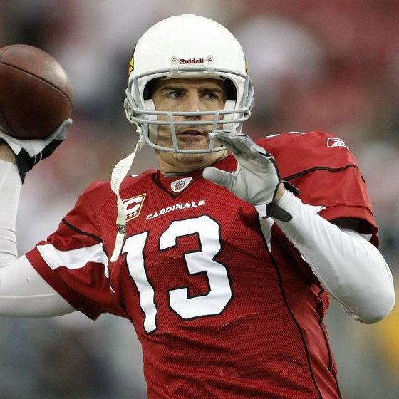 Arizona quarterback Kurt Warner prepares to throw during a 2010 playoff game.