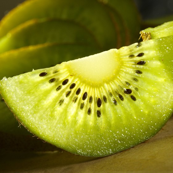 Kiwi is generally considered a high-oxalate fruit.