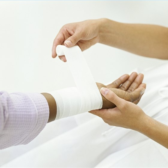 Make Saline Solution to Clean a Wound