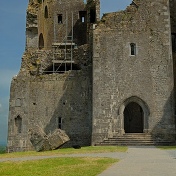 Ireland has castles that tourists can visit.