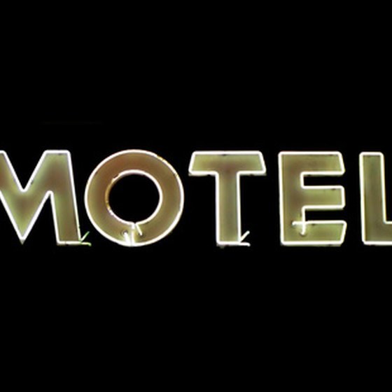 Choose a motel in Webster City, Iowa.