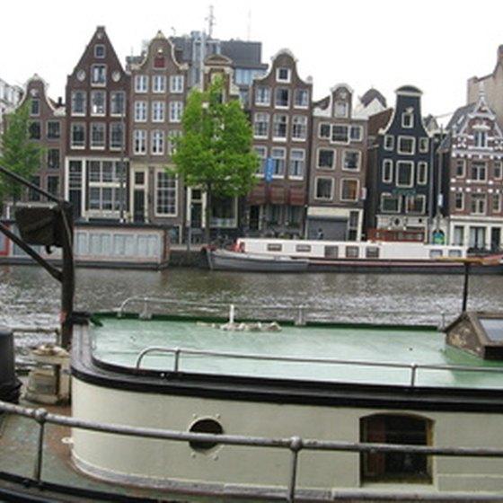 Amsterdam has many rings of canals.