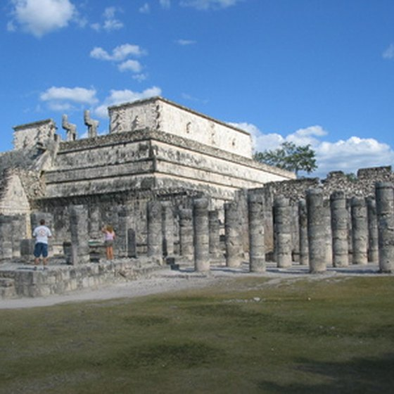 Cancun features the Mayan ruins of Chichen Itza.