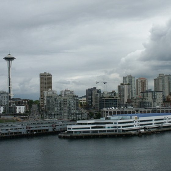 Seattle—mountain backdrop, Puget Sound and bustling city center