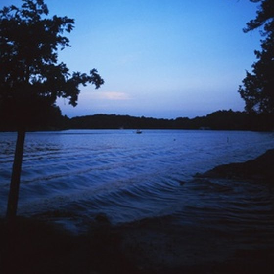 Lakeshore RV camping is available at Tyler State Park in Tyler, Texas.