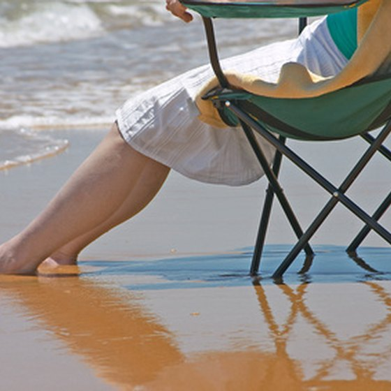Atlantic Beach North Carolina hotels are within easy walking distance to sand and waves.