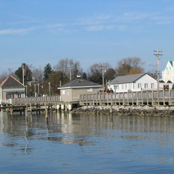 Chesapeake Bay offers upscale shopping and dining in quaint marina settings.
