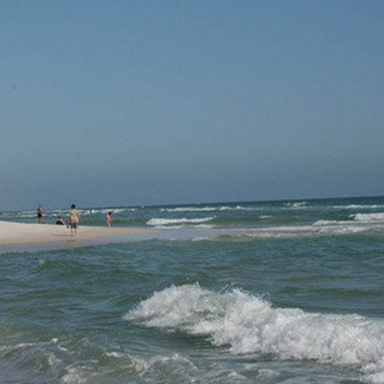 Many Mexican beaches provide activities for the whole family.