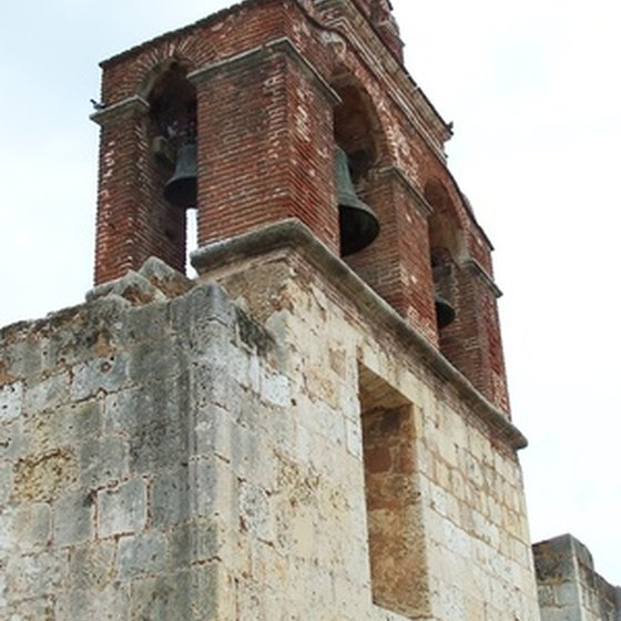 In Santo Domingo, tourists can see a selection of historic churches and cathedrals.