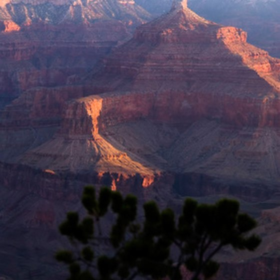 Spend a few nights close to the Grand Canyon National Park.