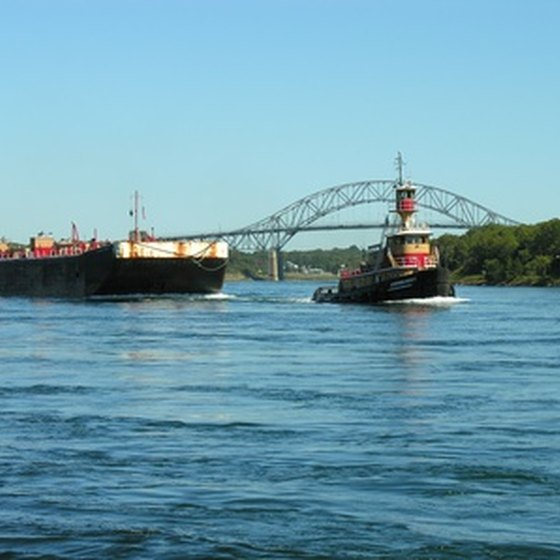 Barge tours of Europe can cover one country or several.