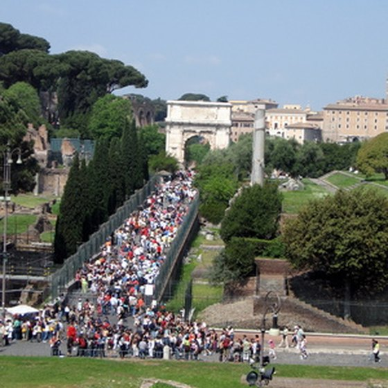 Rome's ancient wonders attract large crowds in summer