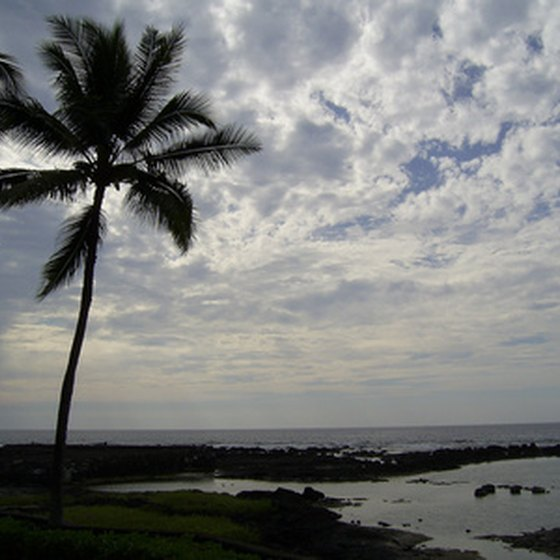 Kailua-Kona offers several attractive beaches.