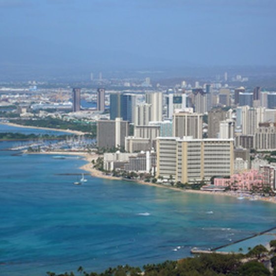 A cruise provides a view of the island of Oahu and its captial city Honolulu.