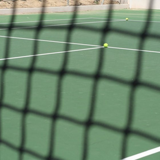 San Diego has a number of hotels serving up tennis play.