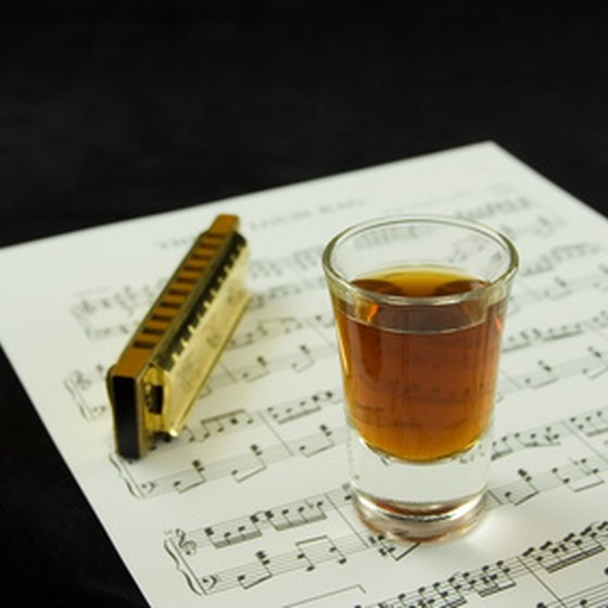 Kentucky bourbon and old-time songs are just two of the reasons to take an RV to Bardstown.