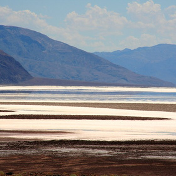 Utah is home to Great Salt Lake, the largest salt lake in the western part of the hemisphere.